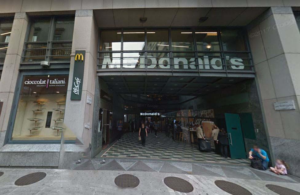 La Galleria Ciro Fontana a Milano dove è avvenuta l'aggressione contro vigilantes