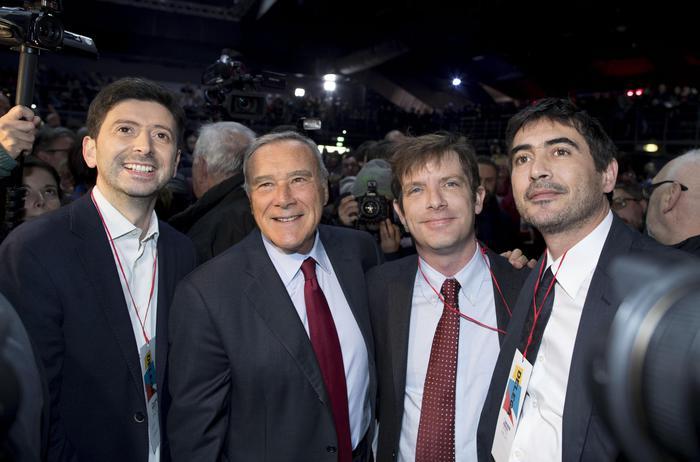 Liberi e uguali Da sinistra Roberto Speranza, il presidente del Senato Pietro Grasso, Pippo Civati e Nicola Fratoianni