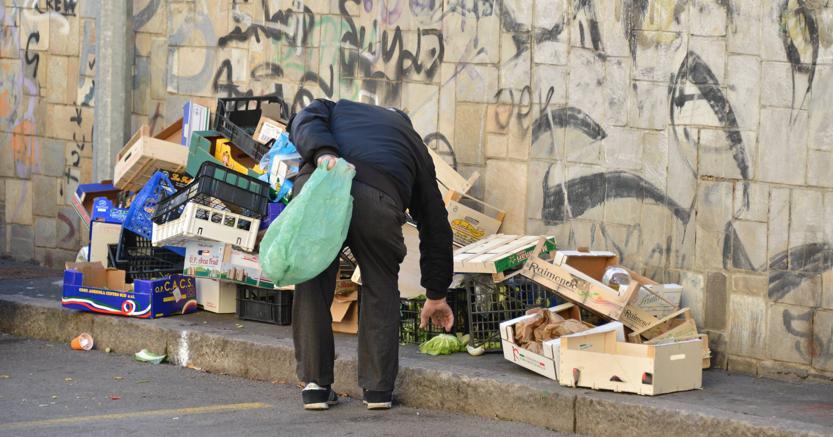 Istat: Un italiano su tre a rischio povertà