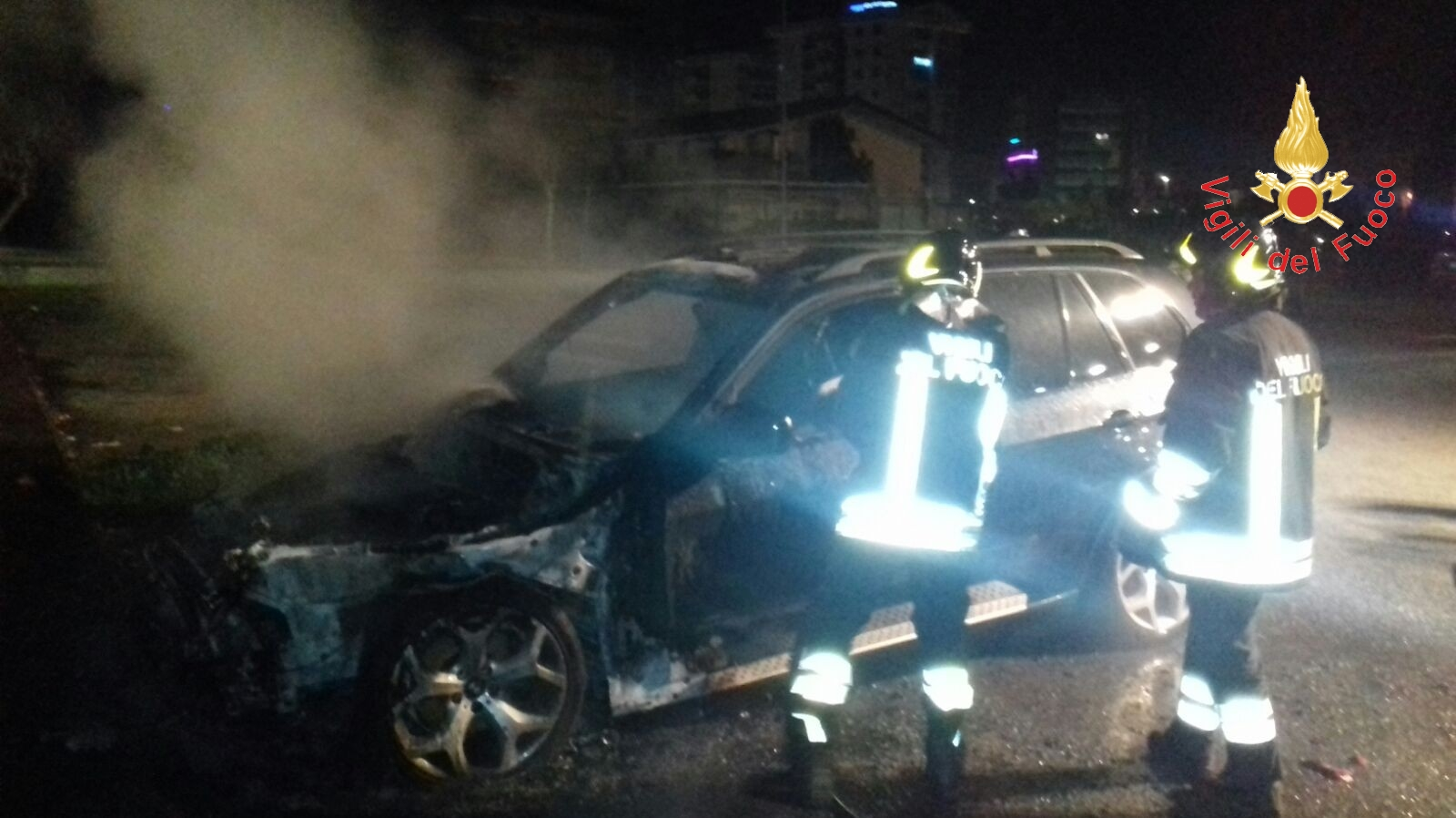 auto bruciata Francesco De Cicco