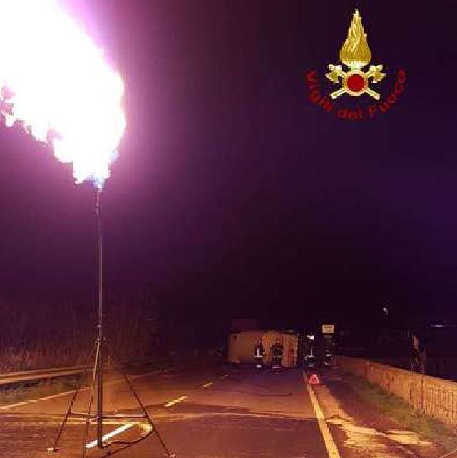 autocisterna gas 106 strongoli