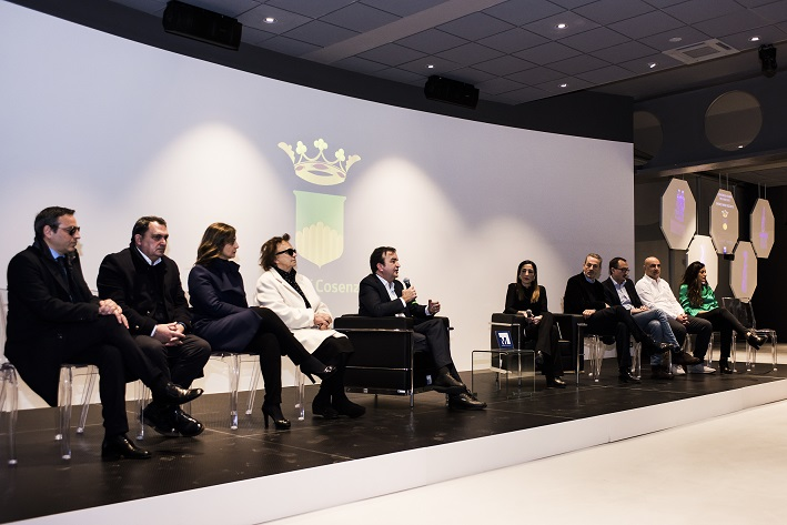Conferenza stampa di occhiuto
