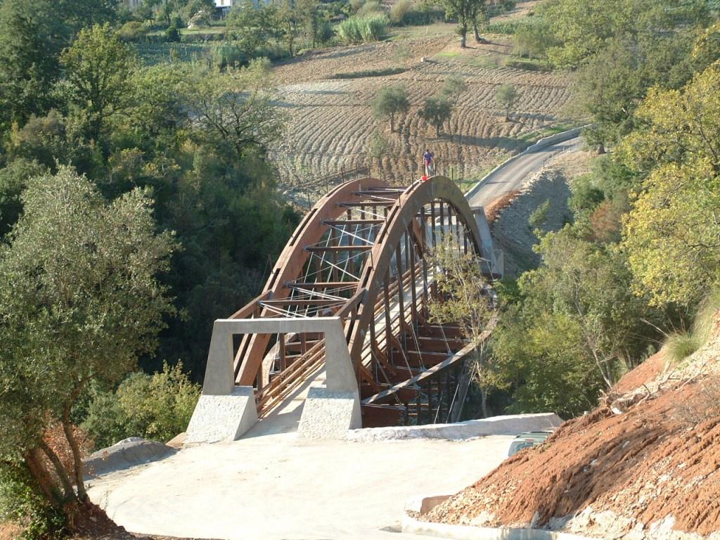 Crolla il ponte carrabile sul fiume lao sul pollino e for Ponte del secondo piano