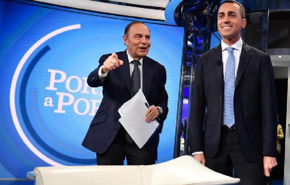 """Di Maio a Porta a Porta: """"Con M5S nessuno sarà sotto soglia povertà"""""""