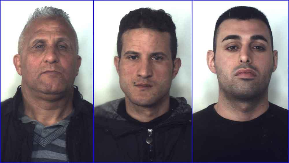 racket estorsioni ambulanti arrestati a reggio