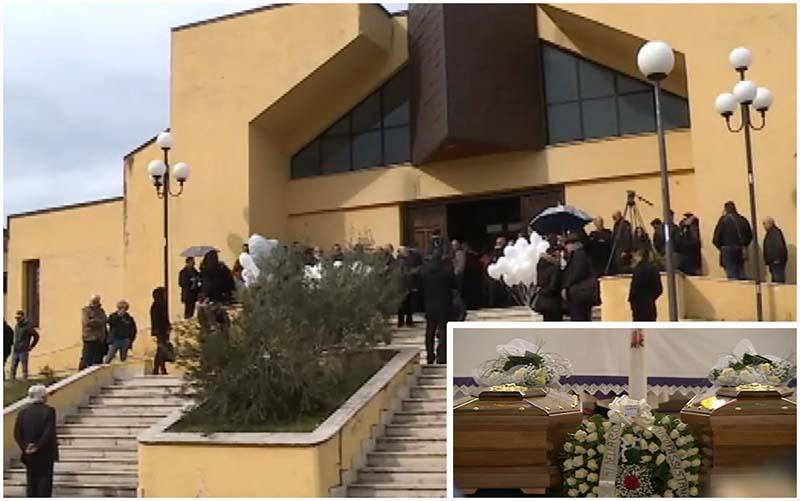 Funerali famiglia Giordano, applausi e palloncini per Cristiana e Giovanni