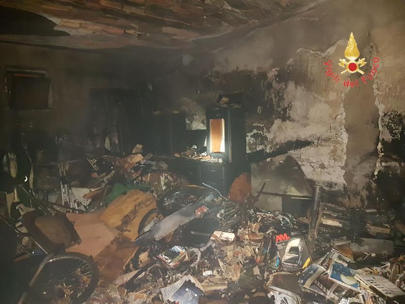 incendio in palazzo catanzaro