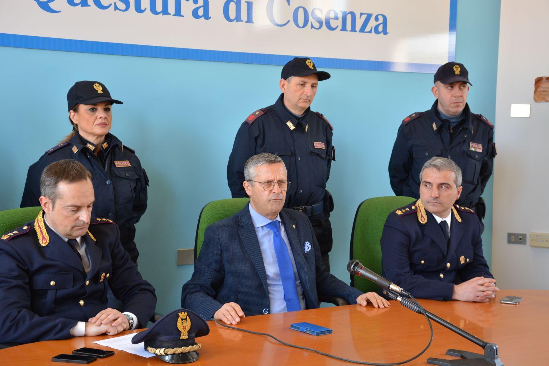 Da sinistra il capo della Squadra Mobile Fabio Catalano il questore Giancarlo Conticchio e il capo della Squadra Volante Cataldo Pignataro
