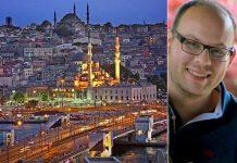 Una panoramica di Istanbul. A destra Alessandro Fiori