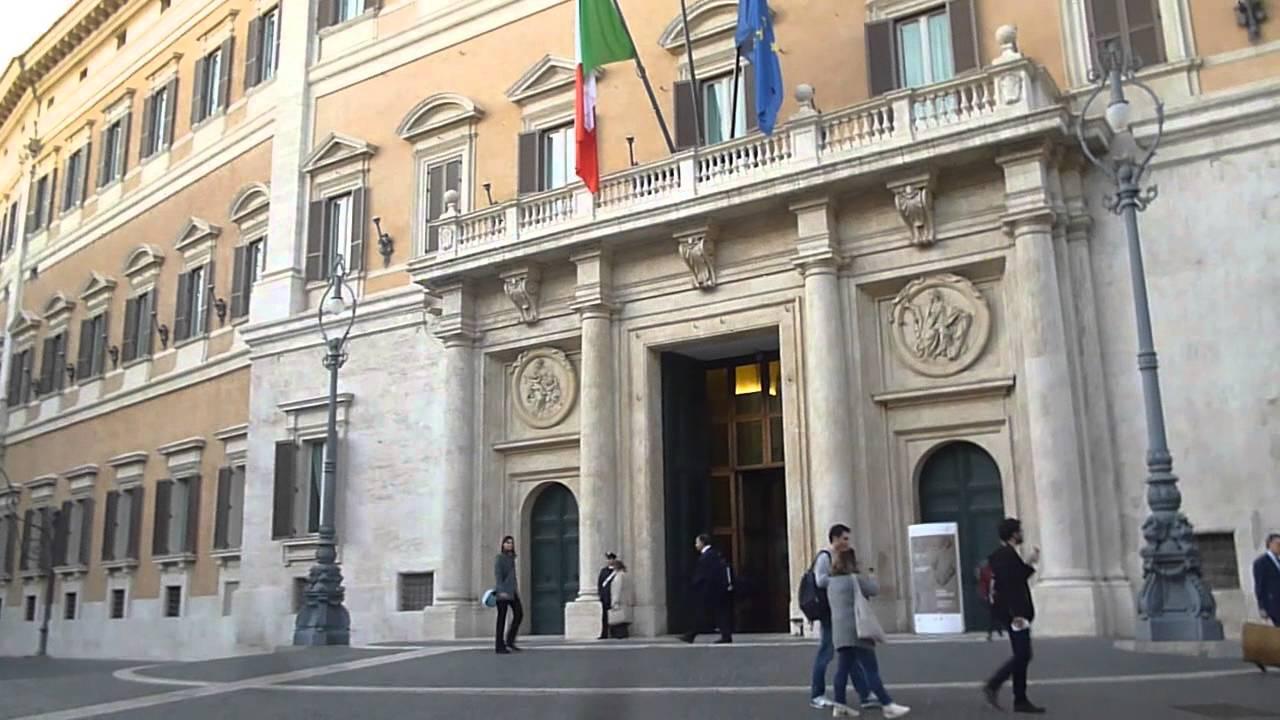 Piazza Montecitorio Camera dei Deputati media
