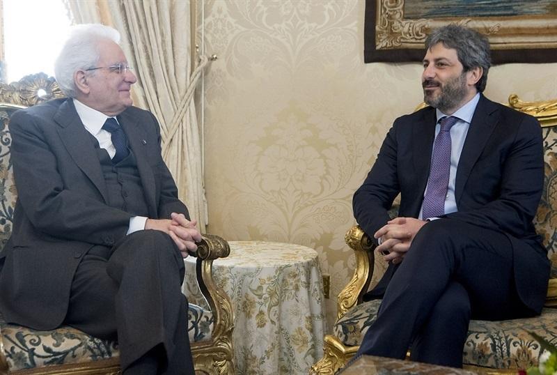 Sergio Mattarella con il presidente della Camera Roberto Fico