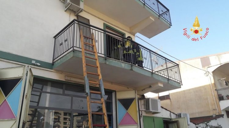 Incendio in una casa di Lamezia Terme - Secondo Piano News