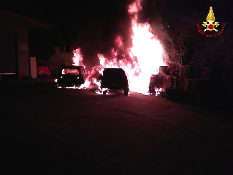incendio auto a Catanzaro