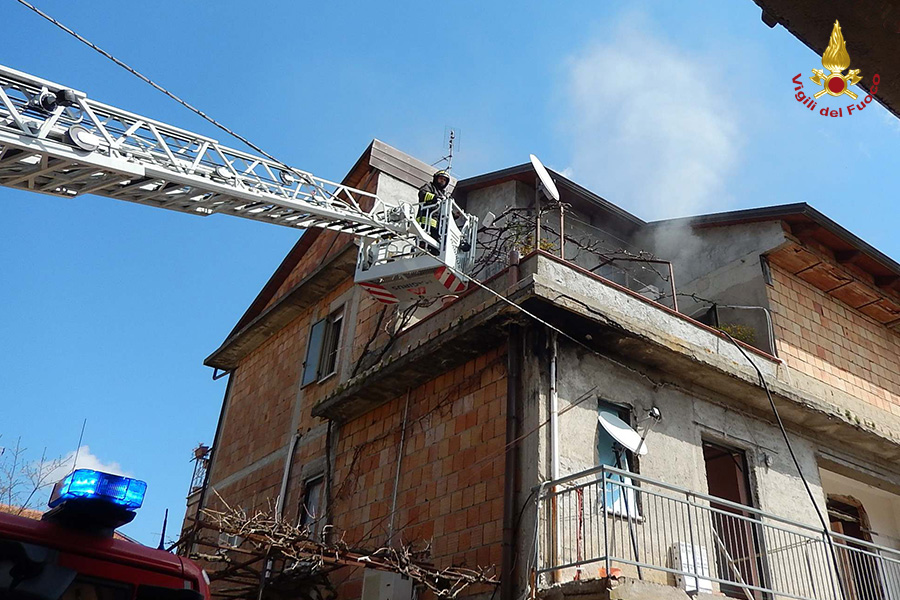 incendio casa Mileto