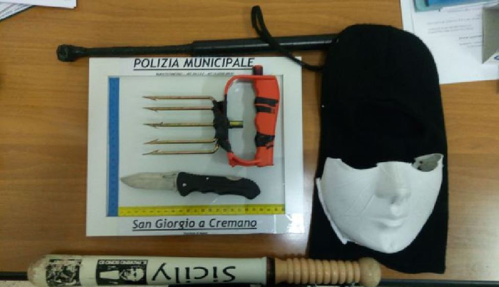 materiale sequestrato a baby gang