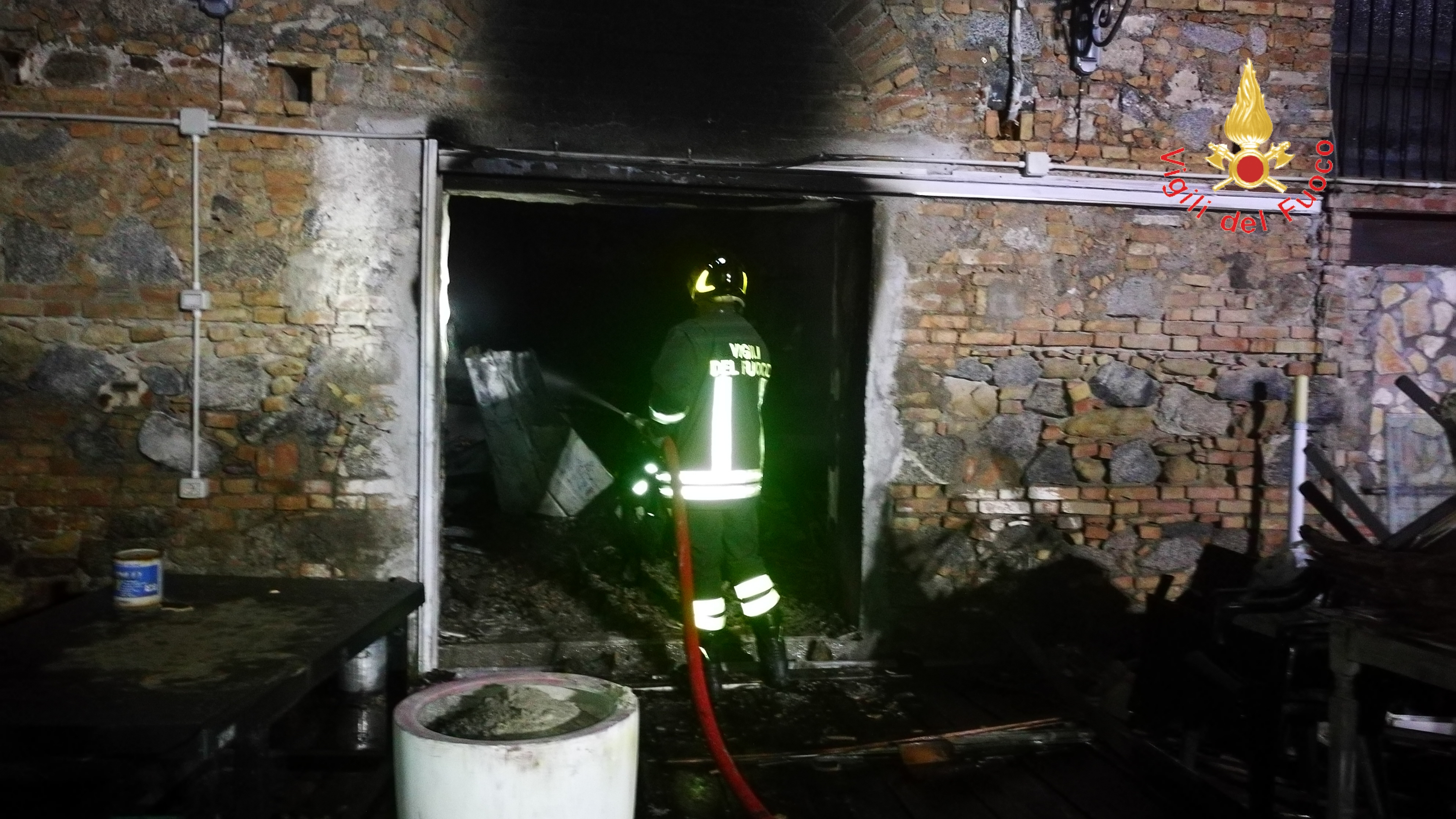 Incendio Pub Tonninas Catanzaro Lido dove sono morti Giuseppe Paonessa ed Eugenio Sergi