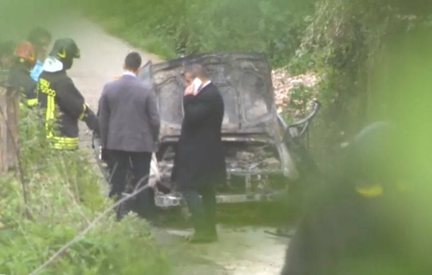 Vibo Valentia, bomba in auto: morto ex candidato, ferito il padre