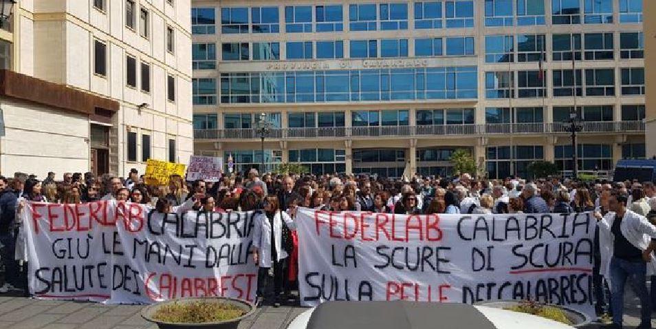protesta ambulatori sanità privata