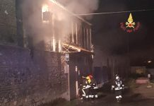 pubIncendio Pub Tonninas Catanzaro Lido incendiato catanzaro lido