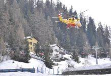 Valanga a Pila, gli elicotteri dei soccorsi in azione