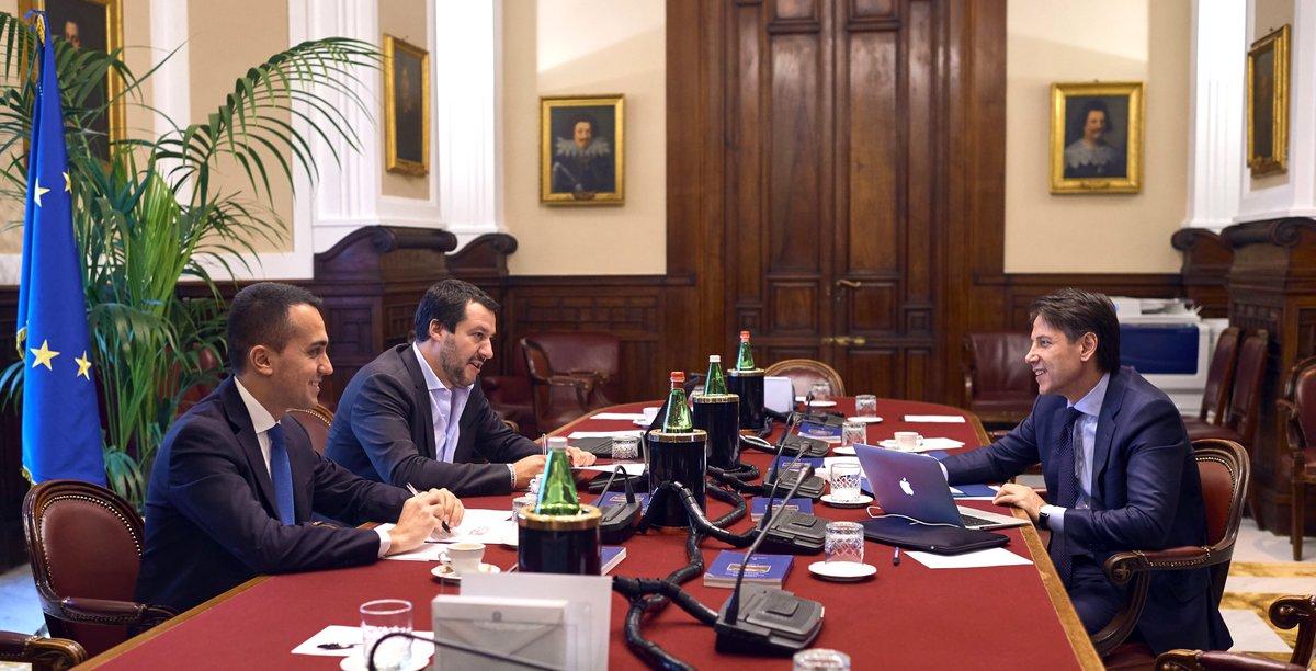 L'incontro alla Camera tra il Presidente incaricato Giuseppe Conte e Luigi Di Maio e Matteo Salvini