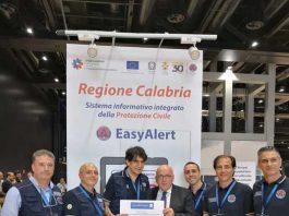 """La Protezione civile della Regione Calabria è stata premiata per il """"miglior progetto per l'ambito Ambiente, Energia, capitale naturale"""" al #ForumPA 2018."""