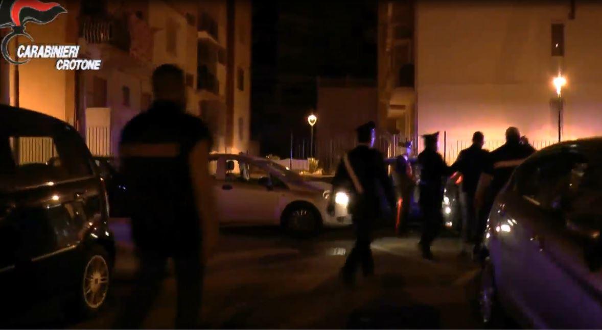 Traffico di droga, blitz nella notte: 21 arresti nel crotonese