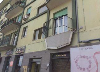 Crolla balcone al primo piano, 5 feriti a Catanzaro