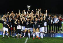 Esultanza squadra Cosenza serie B