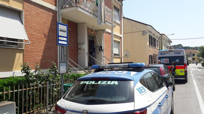 Polizia casa Malipiero a Pesaro