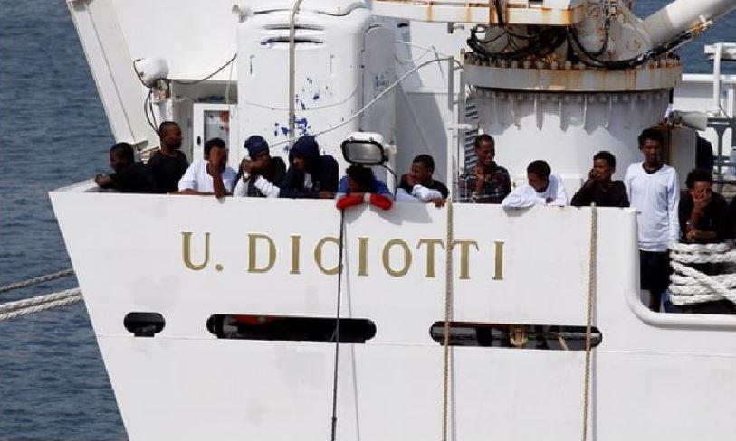 migranti nave Diciotto