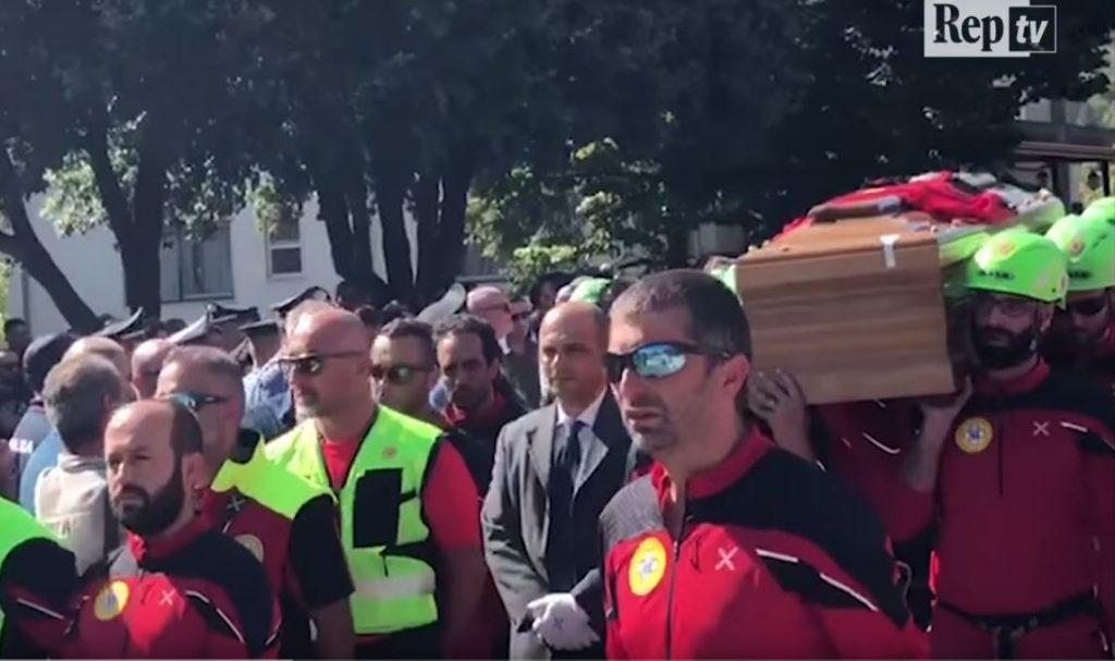funerali della guida Antonio De Rasis