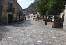 La piazza deserta di Civita