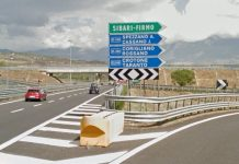 Contromano sull'A2 e provoca incidente, morto 31enne Paolo Spina