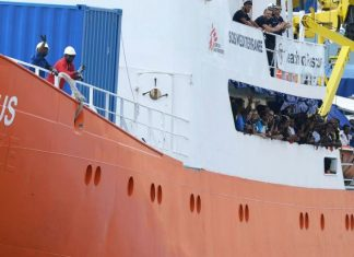 migranti su nave Aquarius