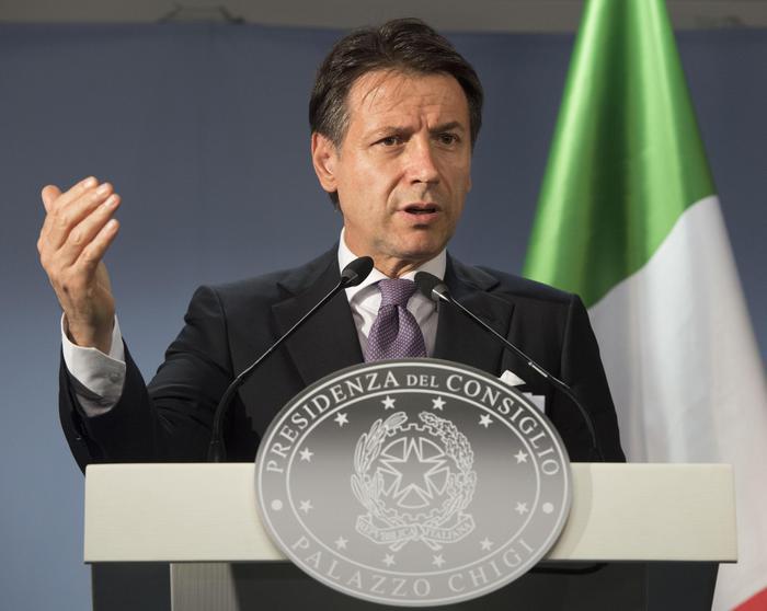 Il Premier Giuseppe Conte presieede Cdm in Calabria