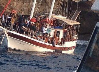 Crotone, giunti una settantina di migranti in barca a vela