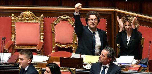 Danilo Toninelli Senato decreto Genova