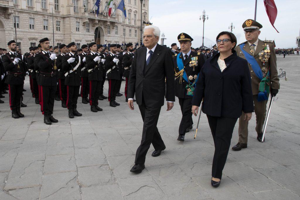Il capo dello Stato Mattarella e il ministro della Difesa Trenta in Piazza Unità d'Italia di Trieste