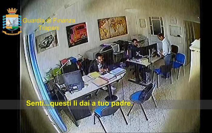 Corruzione: 4 arresti Gdf, anche capo genio civile di Trapani operazione Palude