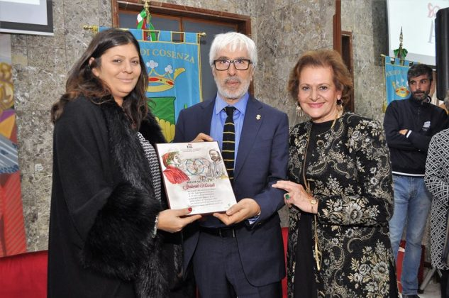 Il premio al prof. Gabriel Niccoli