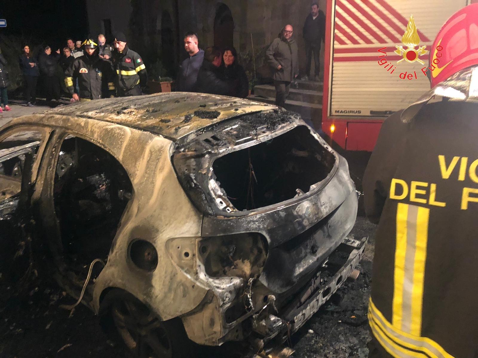 incendio auto Squillace