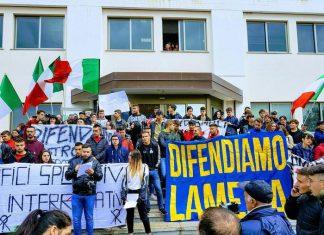 Manifestazione a Lamezia, città abbandonata per Commissariamento Comune