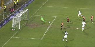 Il goal di Rohden in Foggia Crotone