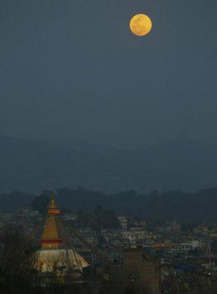 La Super Luna in Nepal