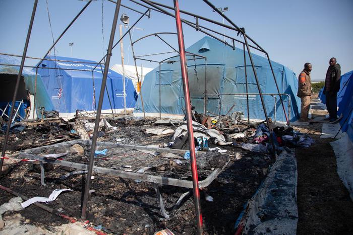 La tenda dove è morto il migrante nella nuova tendopoli a San Ferdinando