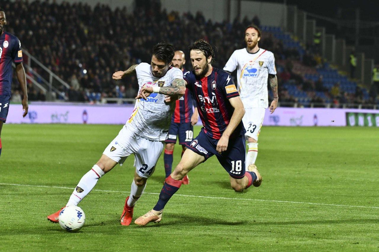 Crotone Lecce 2-2