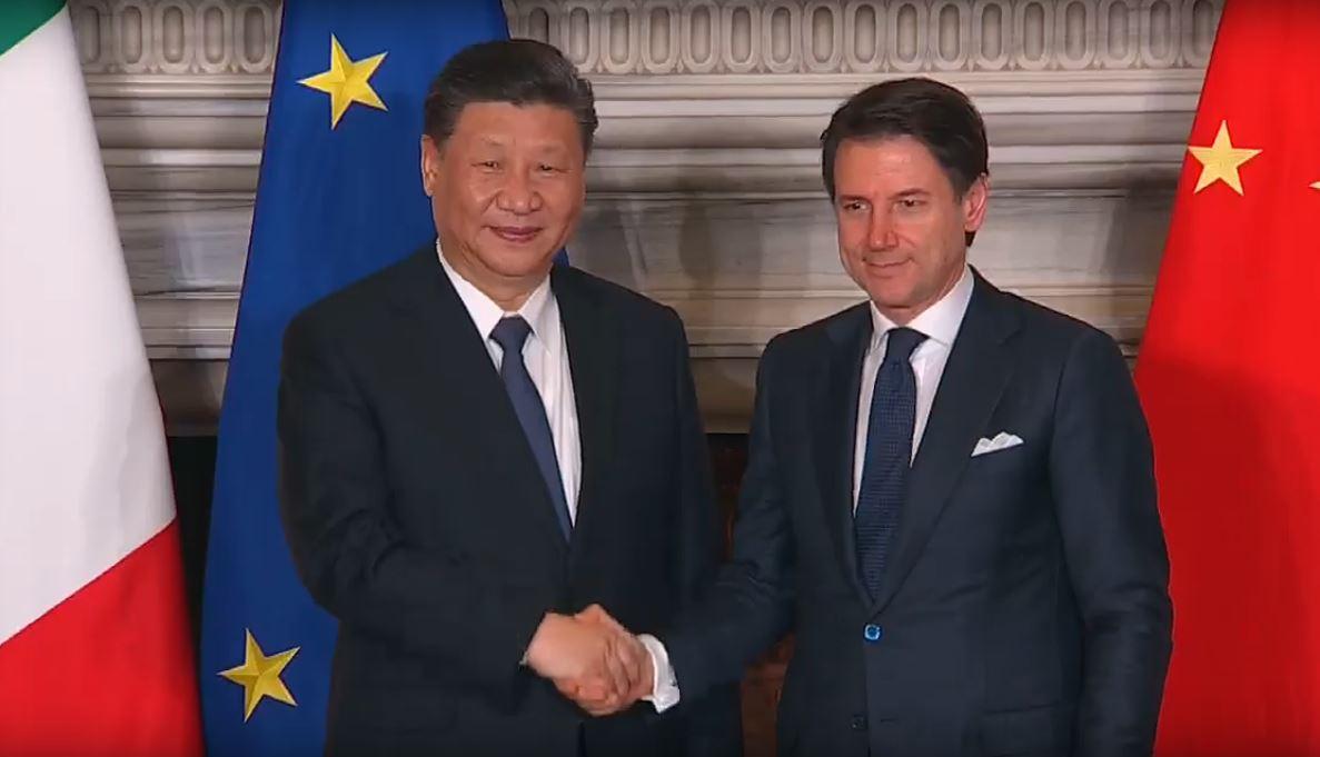 Il presidente cinese Xi Jinping con il premier Giuseppe Conte