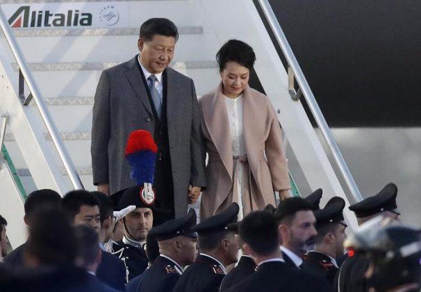 Il presidente cinese Xi Jinping con la moglie Peng Liyuan