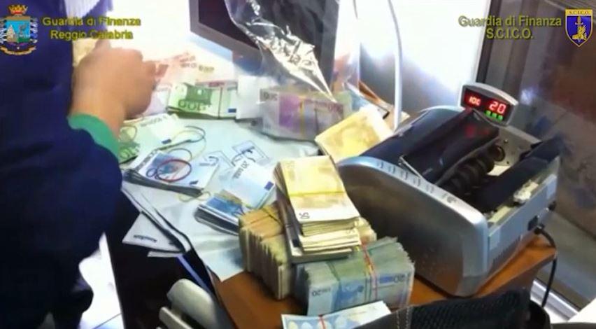sequestro denaro soldi Bagala